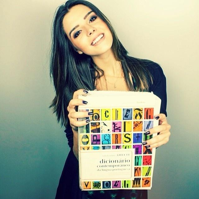 09.jan.14 - Giovanna Lacellotti lembra a seus seguidores no Instagram que hoje tem apresentação da peça