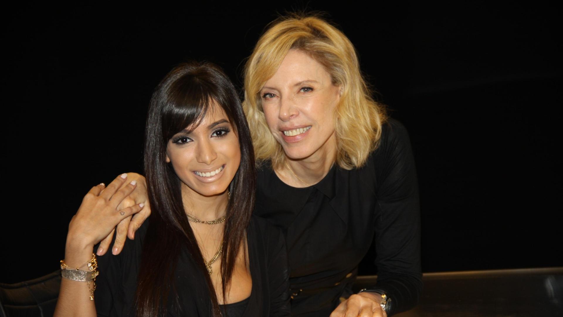 9.jan.2014 - Anitta é entrevistada por Marília Gabriela no