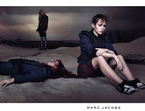 A cantora Miley Cyrus é a nova garota-propaganda de Marc Jacobs e posou para campanha que divulga a coleção Verão 2014 do estilista norte-americano - Divulgação