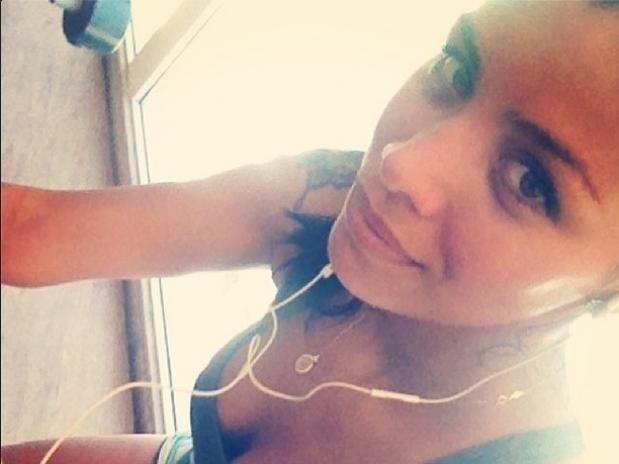 Ela curte publicar nas redes sociais vários momentos de seu dia a dia, esbanjando sua beleza