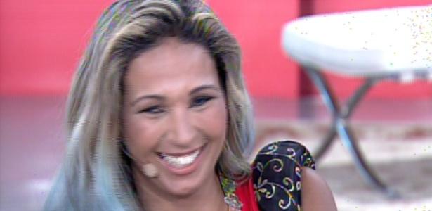 """Valesca Popozuda revela no """"Encontro Com Fátima Bernardes"""" que gastou R$ 40 mil para colocar silicone no bumbum"""