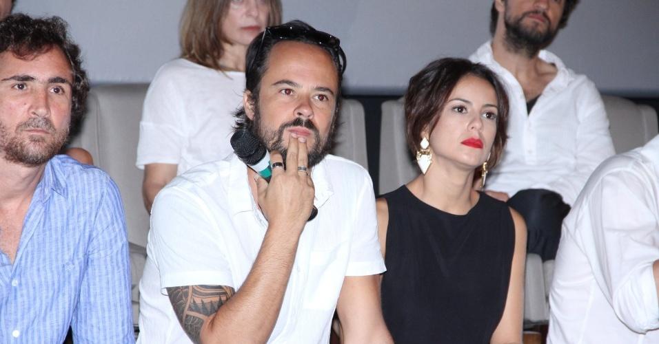 """10.jan.2014 - Paulo Vilhena e Andreia Horta apresentam a minissérie """"A Teia"""", em evento no Rio de Janeiro"""