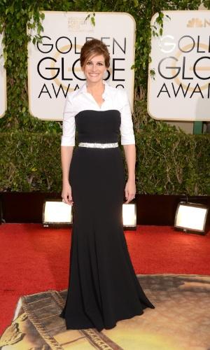 """12.jan.2014 - A atriz Julia Roberts, indicada como melhor atriz coadjuvante por """"Álbum de Família"""", chega para a edição 2014 do Globo de Ouro, em Beverly Hills"""