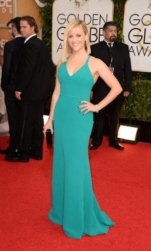 12.jan.2014 - A atriz Reese Whiterspoon exibe vestido ao chegar no Globo de Ouro 2014