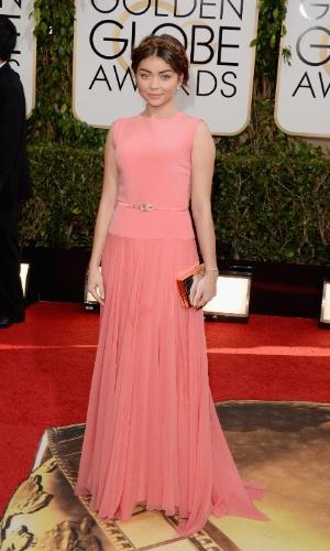 """12.jan.2014 - A atriz Sarah Hayland, de """"Modern Family"""", chega para a edição 2014 do Globo de Ouro, em Beverly Hills"""