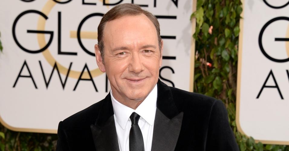 """12.jan.2014 - Kevin Spacey, indicado a melhor ator de drama por """"House of Cards"""",  chega para a edição 2014 do Globo de Ouro, em Beverly Hills"""