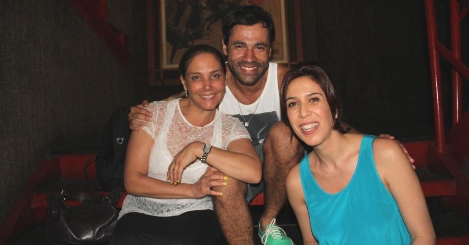 12.jan.2014 - Na noite deste domingo (12), Rodrigo Sant'anna recebe Heloisa Périssé e Maria Clara Gueiros no teatro. O ator está em cartaz com o espetáculo
