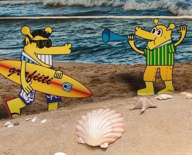 """12.jan.2014 - O grafiteiro e artista plástico Rui Amaral, que costuma produzir cenários para o """"BBB"""", desta vez escolheu o personagem Bicudo para decorar uma das paredes externas"""
