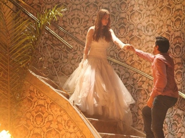"""Em """"Amor à Vida"""", Nicole guia Thales até o local onde está Natasha"""