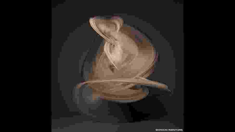 O fotógrafo japonês Shinichi Maruyama cria 'esculturas em movimento' com fotografias de bailarina nua - Shinichi Maruyama, cortesia da Bruce Silverstein Gallery, NY