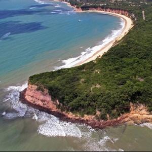 Tibau do Sul (RN) é conhecida pelo seu litoral turístico