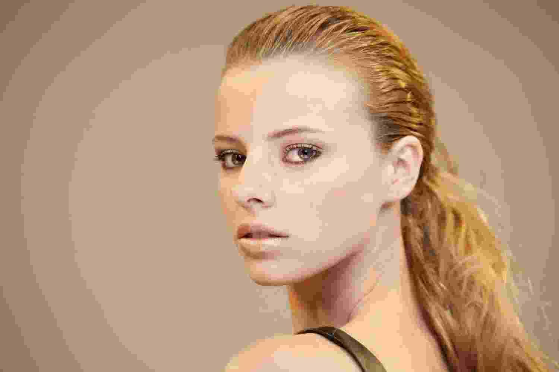 Passo a passo maquiagem bronzeada - 1 - Patrícia Araújo/UOL