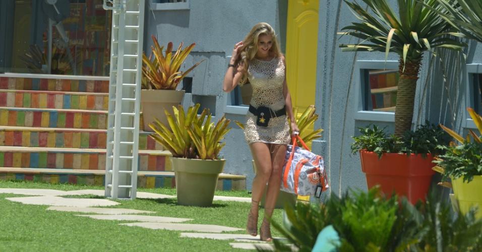 Tatiele Polyana chega à casa do BBB