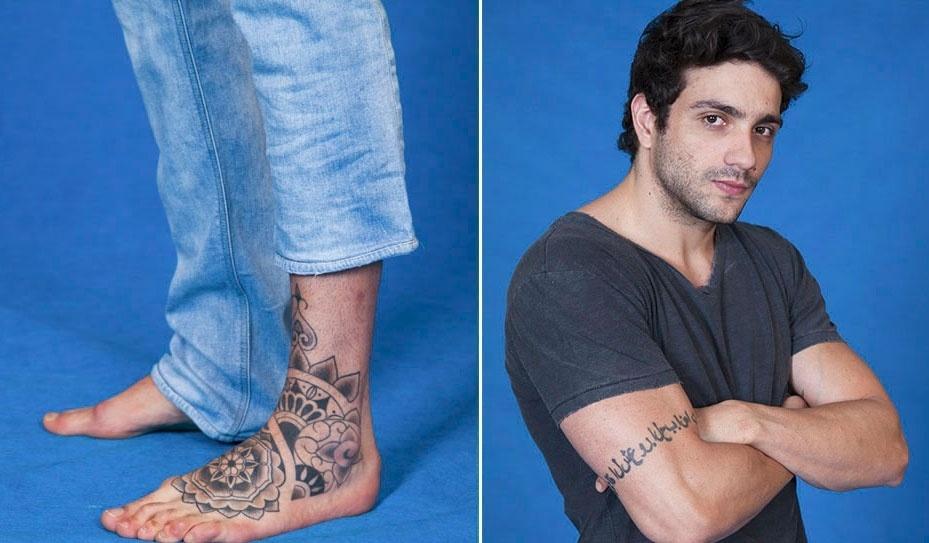 Júnior tem uma tatuagem indiana no pé esquerdo e o nome dos pais no outro braço