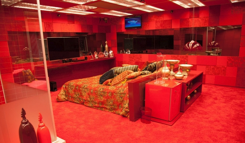 """O novo quarto do líder no """"BBB14"""" é todo vermelho"""