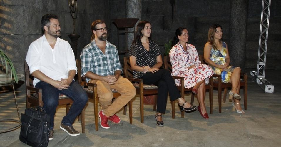 """16.jan.2013 - Autores da minissérie """"Milagres de Jesus"""", da Record, apresentam a série em evento no Rio de Janeiro"""
