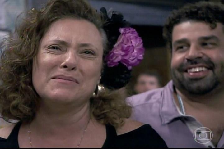 """16.jan.2014 - Em """"Amor à Vida"""", Márcia se emociona ao ver a filha no """"BBB14"""""""