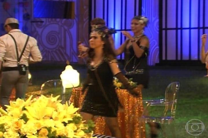 "16.jan.2014 - Em ""Amor á Vida"", Valdirene entra na casa do ""BBB14"". A periguete se diverte na casa"