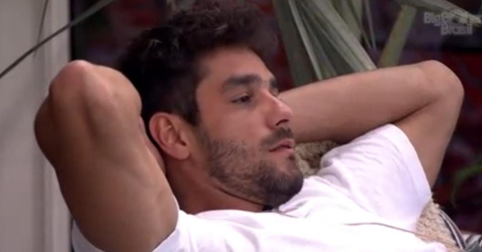 16.jan.2014 - Diego em conversa com Bella