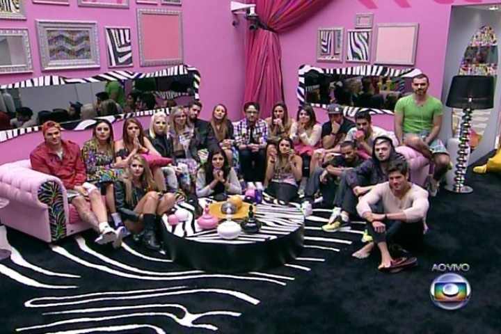 "19.jan.2014 - Brothers reunidos na sala do ""BBB14"""