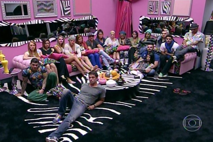 20.jan.2014 - Brothers reunidos na sala do 'BBB14'
