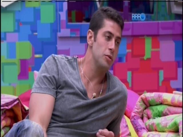 20.jan.2014 - Marcelo conversa com Rodrigo sobre votação