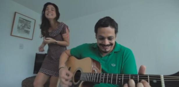 Bella e o marido Bruno Lins gravaram um vídeo cantando sua história de amor