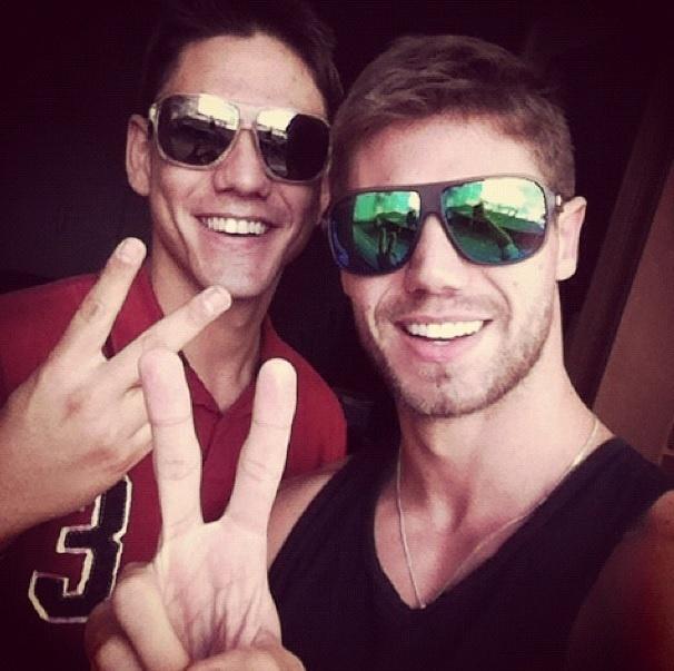 """Jonas Sulzbach, do """"BBB12"""", e o irmão Rafael Noronha, que morreu assassinado em 2012"""