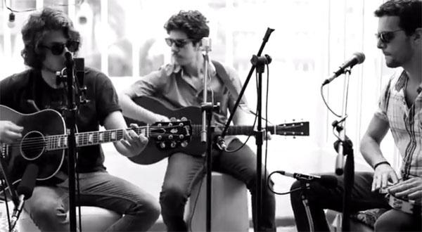 22.jan.2014 - Vanguart e Chay Suede gravam cover de Molejo