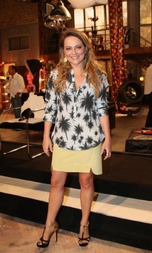 """22.jan.2014 - Viviane Pasmanter posa no evento de lançamento da novela """"Em Família"""", no Rio de Janeiro"""