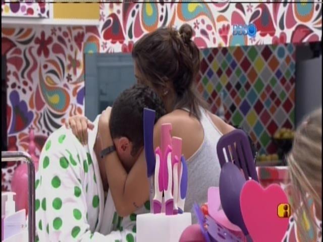 22.jan.2014. Bella consola o emparedado Marcelo