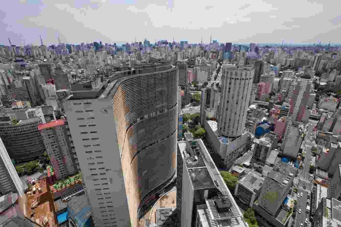 Edifício Copan, projetado por Oscar Niemeyer, é outro cartão-postal do centro de São Paulo - Simon Plestenjak/UOL