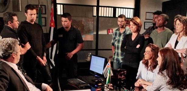 """Em """"Amor à Vida"""", Ivan é preso após bater em Marilda no hospital"""