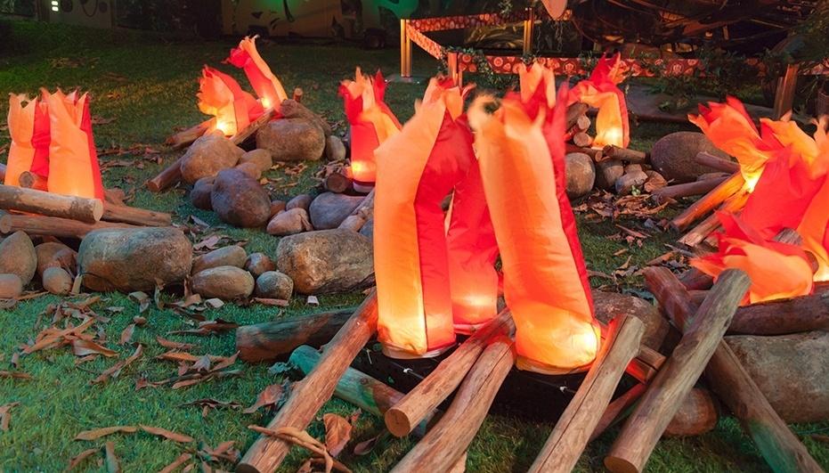 22.jan.2014 - Decoração da parte externa da casa na Festa Perdidos na Selva
