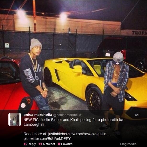 23.jan.2014 - Foto que circula na internet mostra Justin Bieber e Crazy Khalil posando ao lado das Lamborghinis com que disputaram racha. A foto foi originalmente publicada no Instagram de Bieber, mas foi deletada