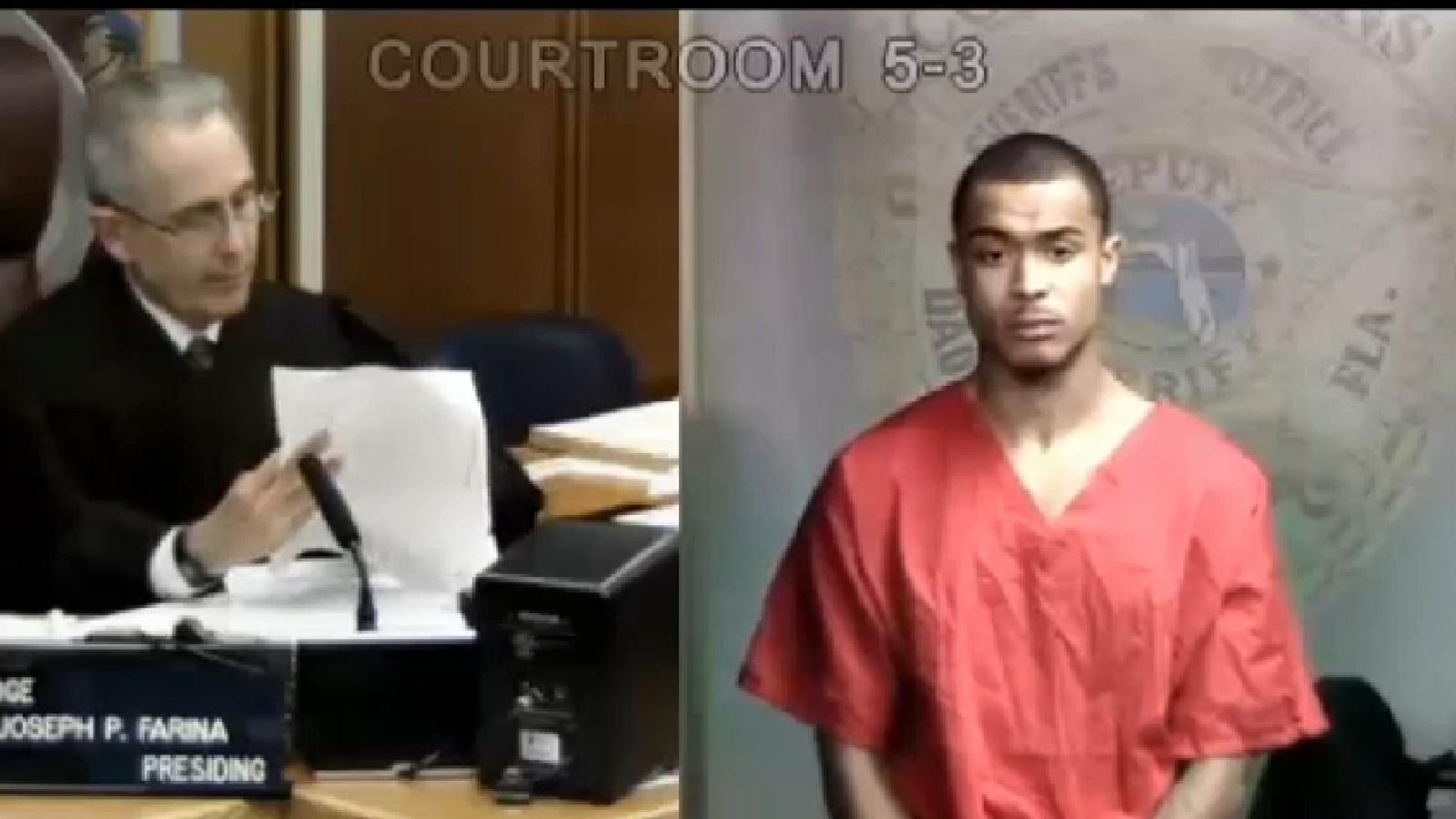 23.jan.2014 - O rapper Crazy Khalil, amigo de Justin Bieber, também compareceu ao tribunal. Ele foi condenado a pagar fiança de US$ 1.000