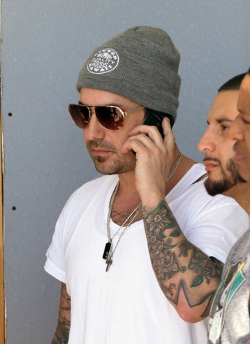 23.jan.2014 - Pai de Justin Bieber, Jeremy Bieber acompanha o filho no tribunal em Miami. O músico foi condenado a pagar fiança de US$ 2.500