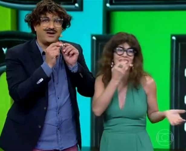"""23.jan.2014- Maitê Proença fica feia durante participação no """"Vídeo Show"""""""