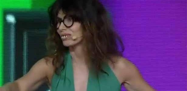23.jan.2014- Maitê Proença fica feia durante participação no