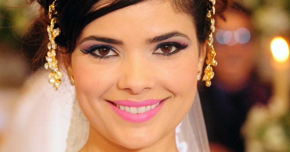 """Celeste, personagem vivida por Vanessa Giácomo em """"Morde & Assopra"""", se achava a última bolacha do pacote"""