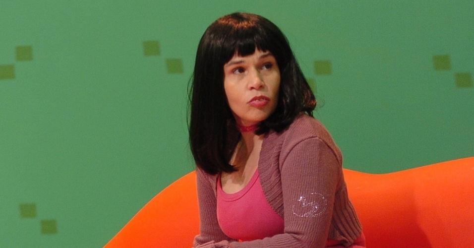 """Com o bordão '""""Eu vou beijar muuuuuuuito"""", Thalia, papel de Claudia Rodrigues na """"Escolinha do Professor Raimundo"""", achava que todos os homens viviam aos seus pés"""