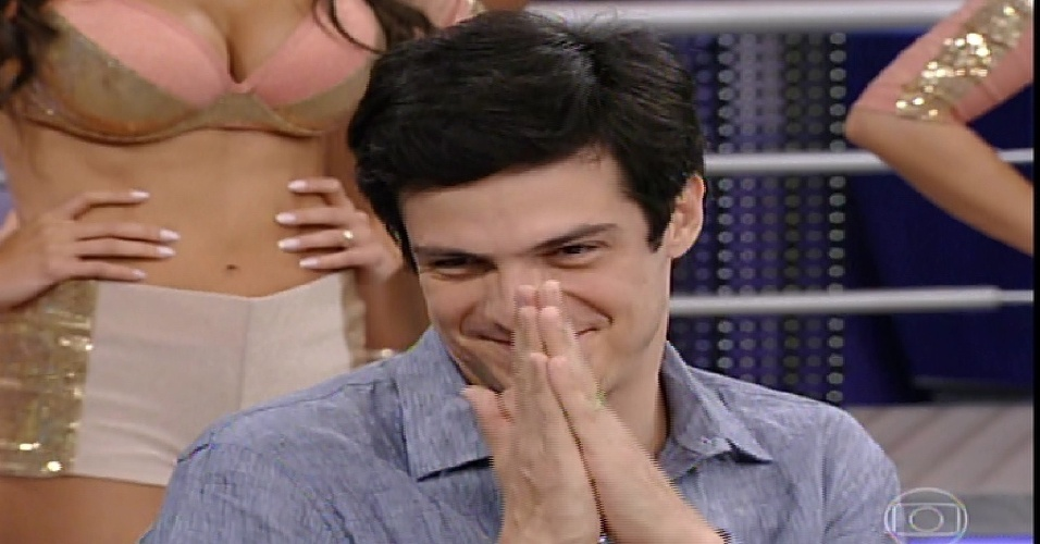 "26.jan.2014 - Mateus Solano participa da ""Pizza do Faustão"", na noite deste domingo (26), na TV Globo"