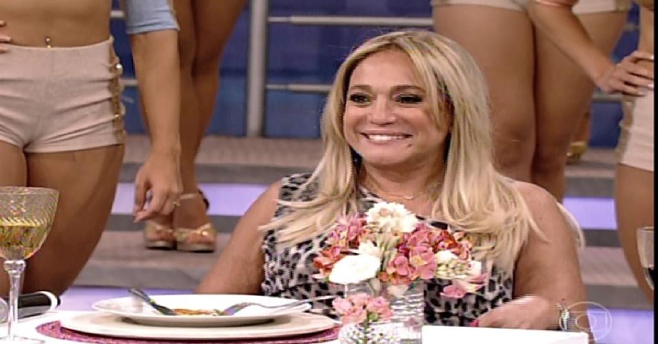 """26.jan.2014 - Susana Vieira participa da """"Pizza do Faustão"""", na noite deste domingo (26), na TV Globo"""