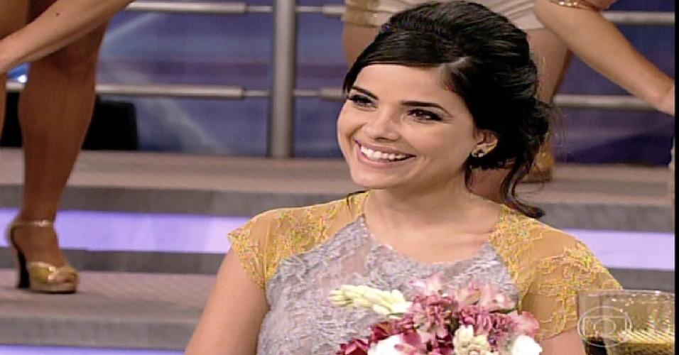 """26.jan.2014 - Vanessa Giácomo participa da """"Pizza do Faustão"""", na noite deste domingo (26), na TV Globo"""