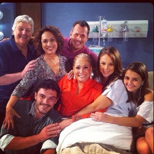 26.jan.2014 - Atores gravam cena em que Paloma dá a luz ao seu segundo filho