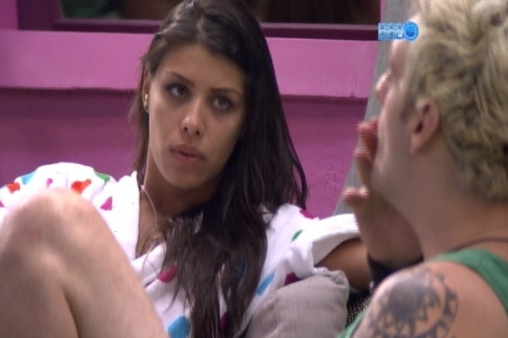 28.jan.2014 - Cássio e Franciele discutem porque a sister votou no gaúcho. Os dois enfrentam o paredão com Vagner