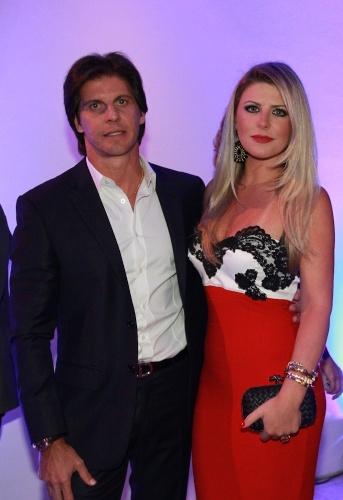 28.jan.2014 - Íris Stefanelli reaparece com o ex-namorado em festa