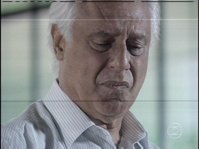 29.jan.2013 - Abalado, César chora e revela ainda ser apaixonado por Aline