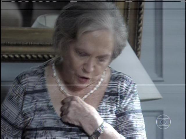 29.jan.2013 - Bernarda diz a César que Pilar foi traída por ele e que foi Aline quem o traiu