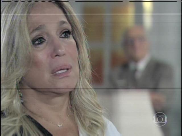 29.jan.2013 - Pilar diz a César que não se sente melhor por estar casada com Maciel